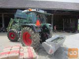Traktor z Mešalno zajemalko za beton –  mobilna betonarna