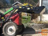 Kupimo čelni nakladač za traktor Universal 445 ali 530 DTC.
