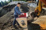 Mešalna zajemalka (žlica, kibla) za mešanje betona za bager