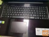 prodam laptop asus star eno leto še v garanciji