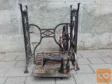 starinski šivalni stroj brez delovne plošče
